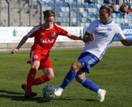 Moritz Hannappel vom TSV Steinbach Haiger im Spiel gegen den FK Pirmasens