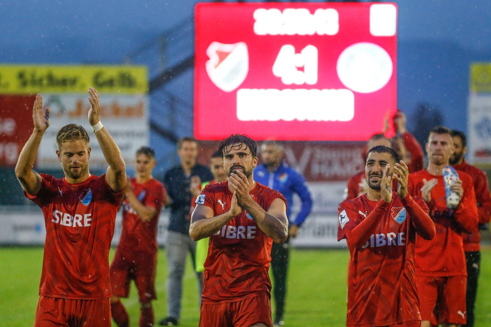 Sascha Marquet (TSV Steinbach), David Damm Al-Azzawe (TSV Steinbach), Serhat Ilhan - TSV Steinbach vs. FC Bayern Alzenau am 9.8.2019 (Foto: Fingerhut)