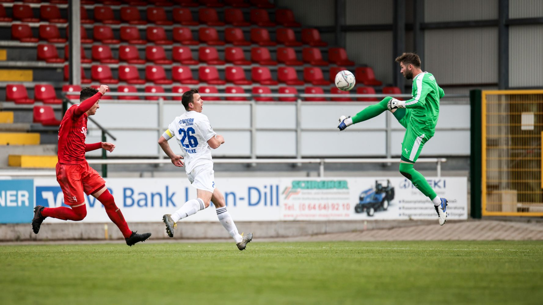 Koczor Buckesfeld TSV Steinbach Haiger FC Bayern Alzenau Nick Fingerhut